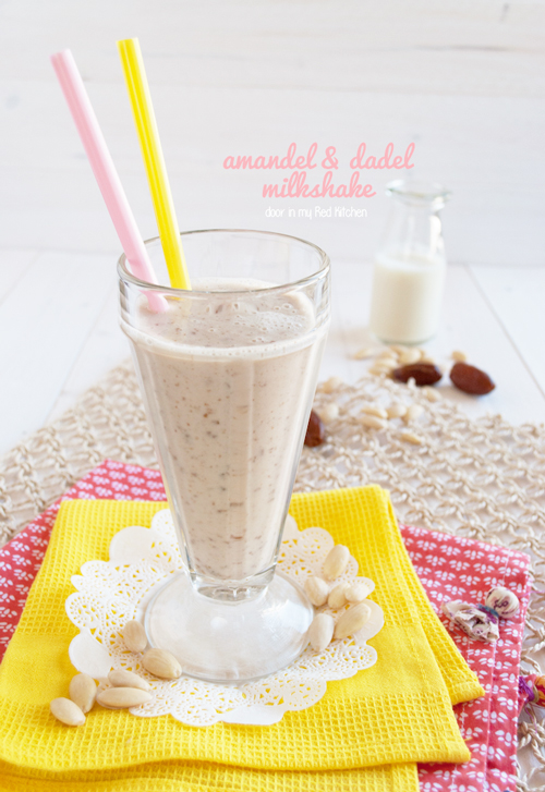 Amandel en dadel milkshake, een heerlijk zuivelvrij alternatief! | in my Red Kitchen
