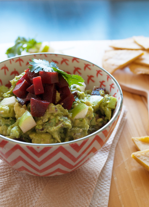 Guacamole with beet and apple | in my Red Kitchen #guacamole #Mexican #beets #apple